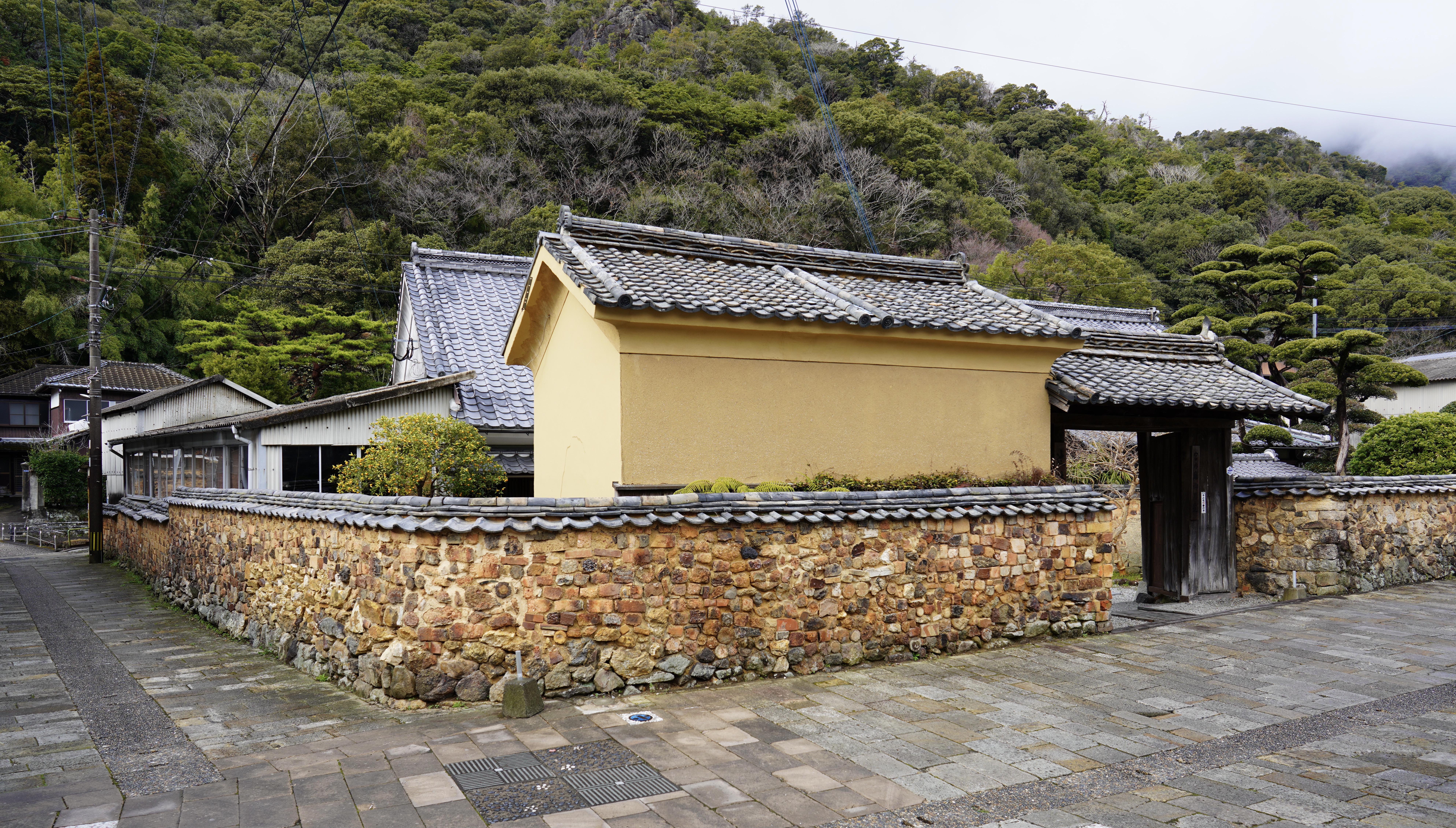 Arita's unique Tombai walls